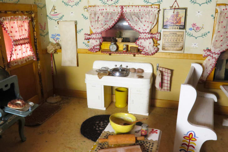 """Frances Glessner Lee, """"Kitchen"""" (detail), about 1944 to 1946. Collection of the Harvard Medical School, Harvard University, Cambridge, Massachusetts."""