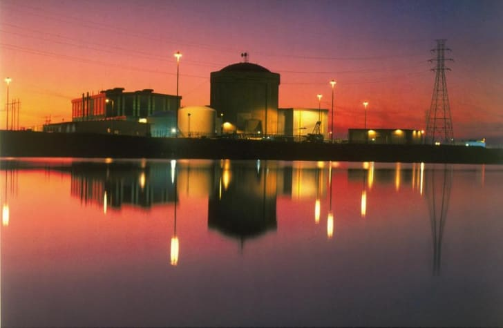A nuclear reactor in Jenkinsville, South Carolina at sunset