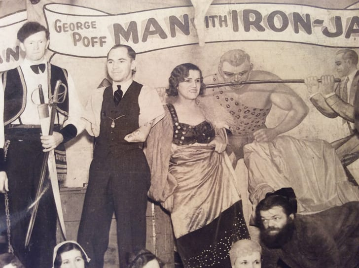 Close-up of a 1932 group photo of sideshow performers, with Agnes the Rubber Skin Lady featured in the center.
