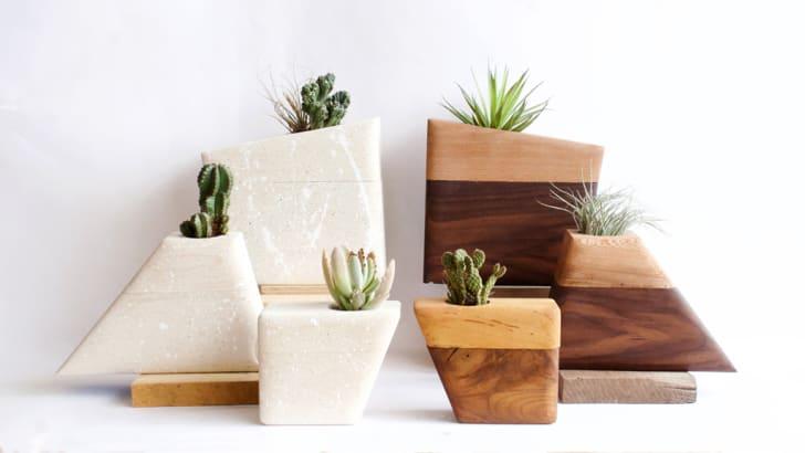 Plant urns