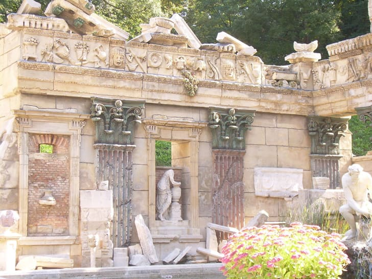 A photograph of the Roman ruin at Schonbrunn Palace in Vienna