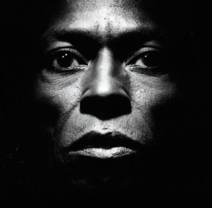 The cover to the 1986 Miles Davis album Tutu