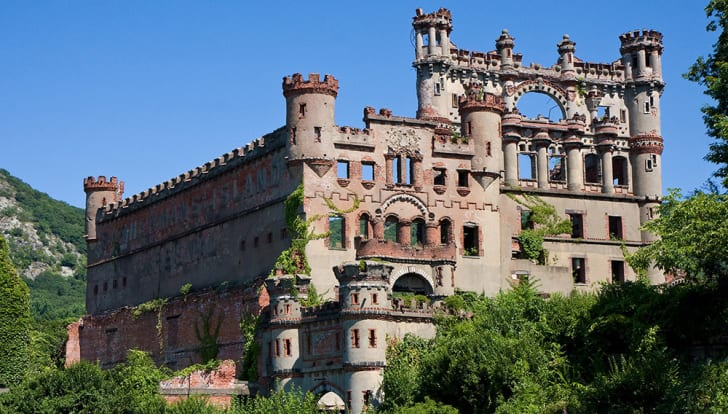 The crumbling exterior of Bannerman Castle