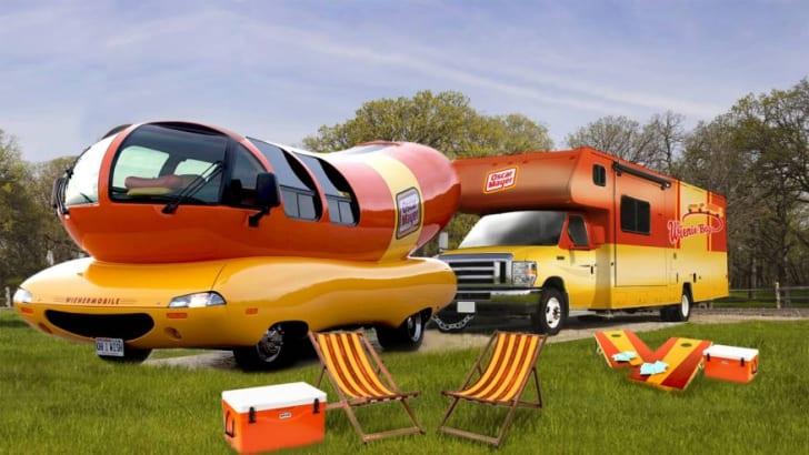 Oscar Mayer Wienermobile WIENIE-BAGO