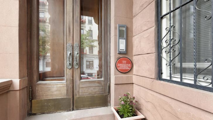 A brownstone in New York City's Harlem neighborhood that once belonged to famed magician Harry Houdini.