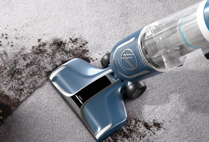 A Hoover React vacuum
