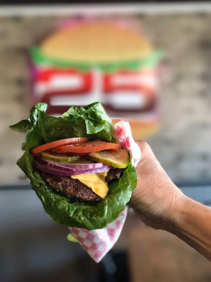 low carb burger at burger 25