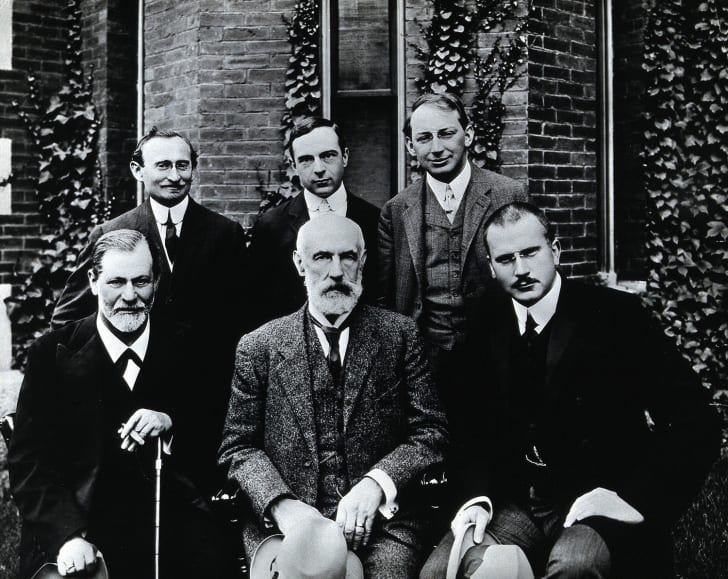 Photo of Sigmund Freud, Stanley Hall, Carl Gustav Jung, Abraham Arden Brill, Ernest Jones and Sándor Ferenczi at Clark University in 1909
