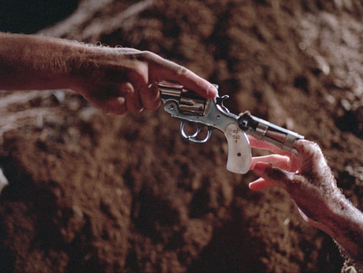 A scene from 'Blood Simple' (1984)