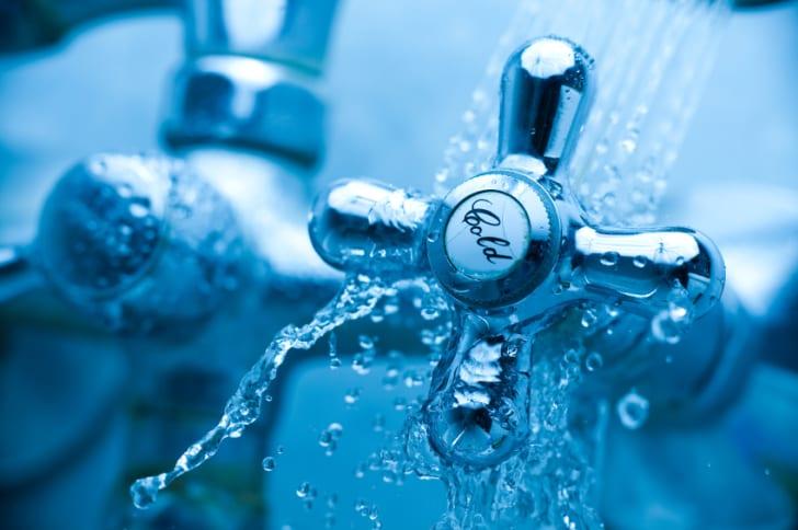 Cold shower faucet