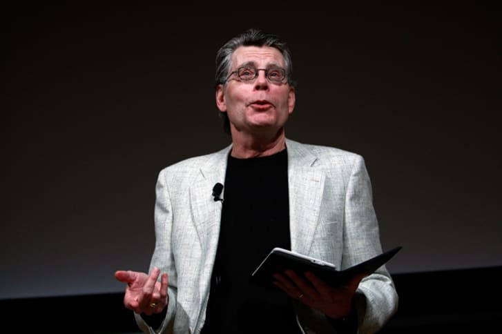 """Author Stephen King reads from his new novella """"Ur"""", exclusively available on the Kindle, at an unveiling event for the Amazon Kindle 2 at the Morgan Library & Museum February 9, 2009 in New York City"""
