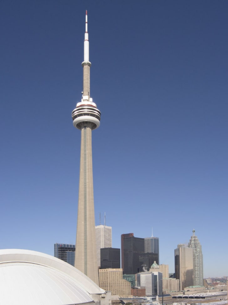 10 Big Facts About Toronto S Cn Tower Mental Floss
