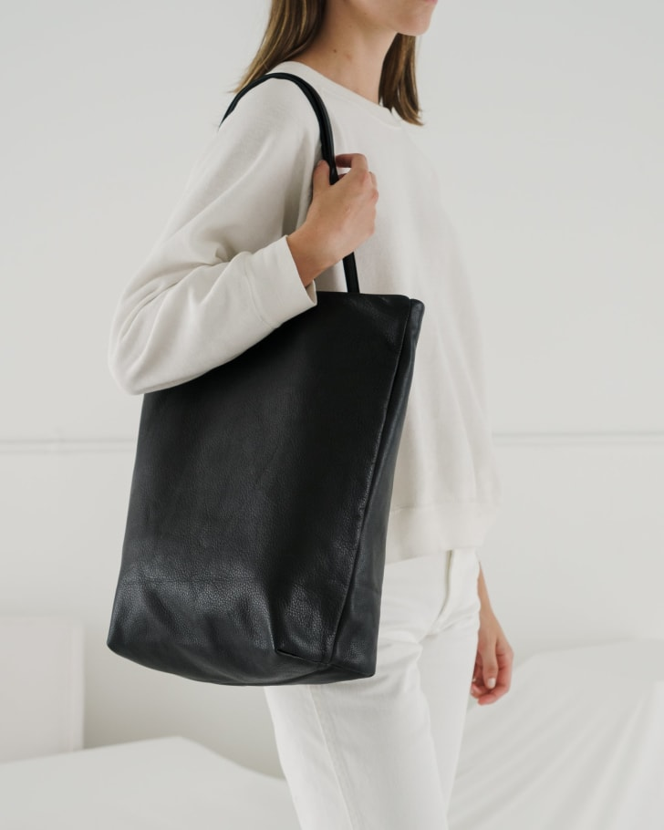 Baggu's large leather tote in black