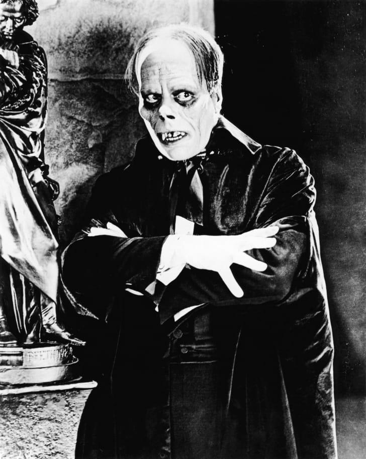 still of Lon Chaney in The Phantom of the Opera (1925)
