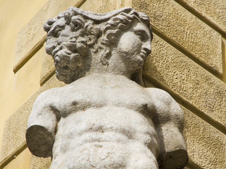 A statue from the waist up of Roman god Janus