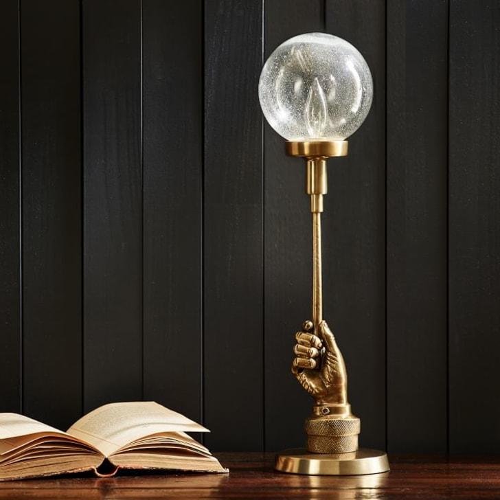 Harry Potter lamp.