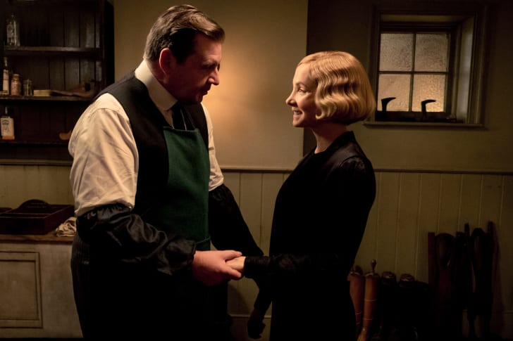 Brendan Coyle and Joanne Froggatt in Downton Abbey (2019).