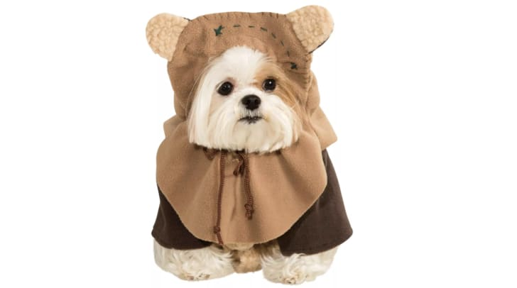 Star Wars Halloween costumes for pets.