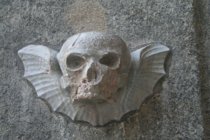 A winged skull at the entrance to the St. Stephen's Cathedral crypt