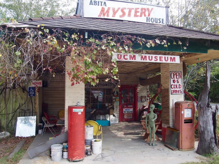 The exterior of the Abita Mystery House.