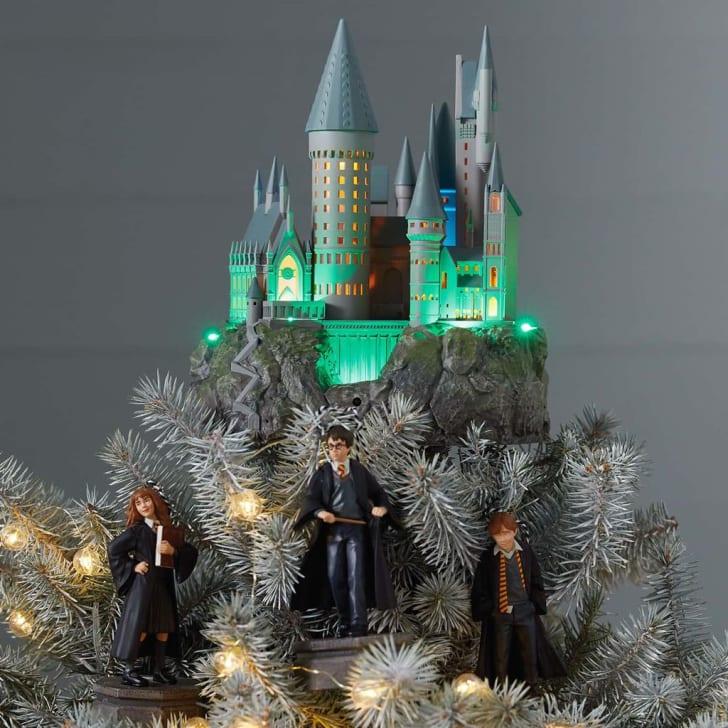 Hallmark Harry Potter Hogwarts castle Christmas tree topper