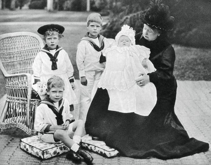 Queen Victoria with her great-granchildren at Osborne House, Isle of Wight, 1900