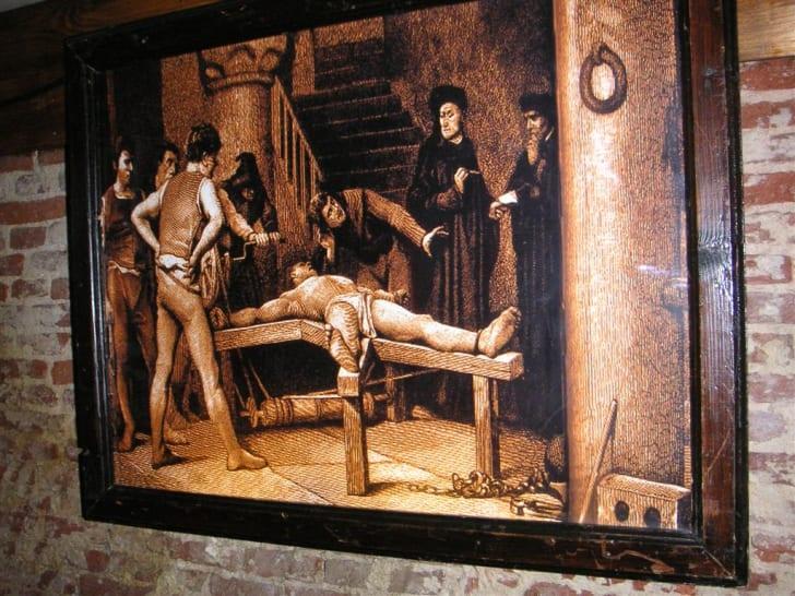 Illustration of medieval torture.
