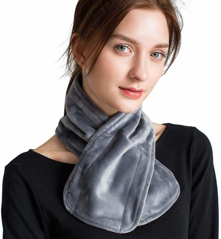 A heated scarf