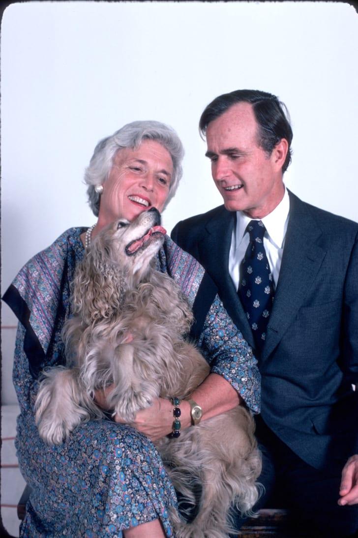 A photo of President George H.W. Bush and Barbara Bush.