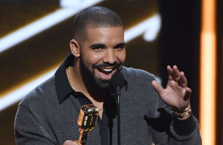 "Drake accepts the Top Billboard 200 Album award for ""Views"" during the 2017 Billboard Music Awards at T-Mobile Arena on May 21, 2017 in Las Vegas, Nevada"