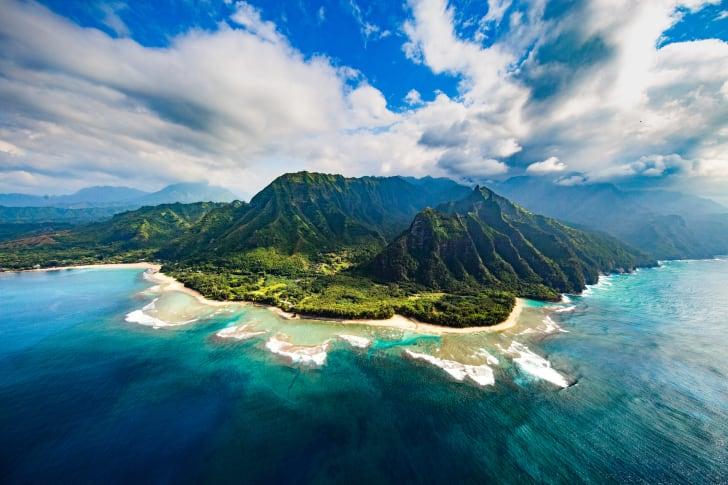 A photo of a Hawaiian island.