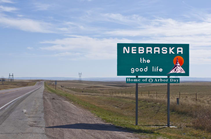 A sign welcoming people to Nebraska.