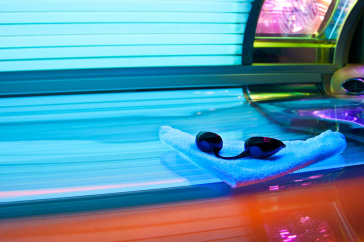 A tanning bed.