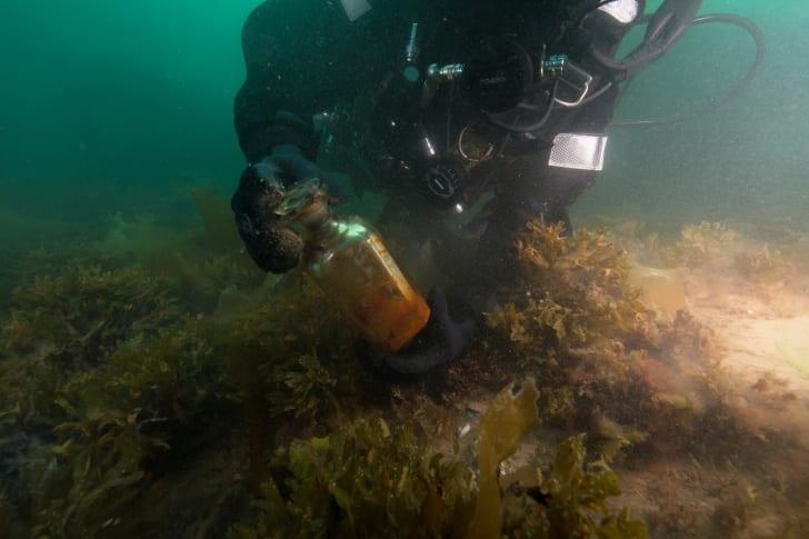 Parks Canada diver at HMS Erebus shipwreck
