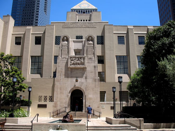 Exterior of the Los Angeles Central Library entrance
