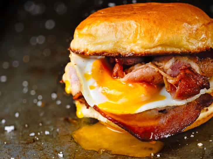A picture of a breakfast sandwich.