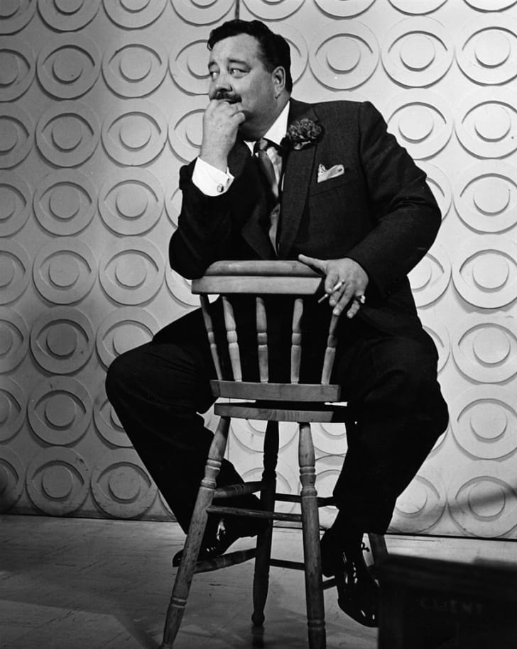 Jackie Gleason records a TV promo.
