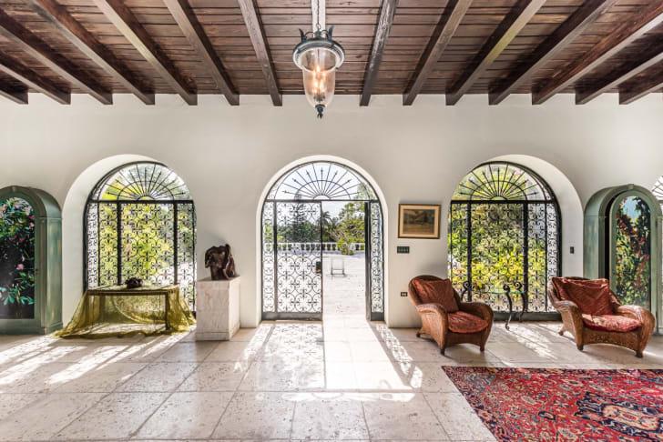 prince edward and wallis simpson bahamas mansion foyer