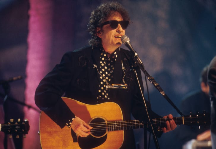 A picture of singer Bob Dylan.