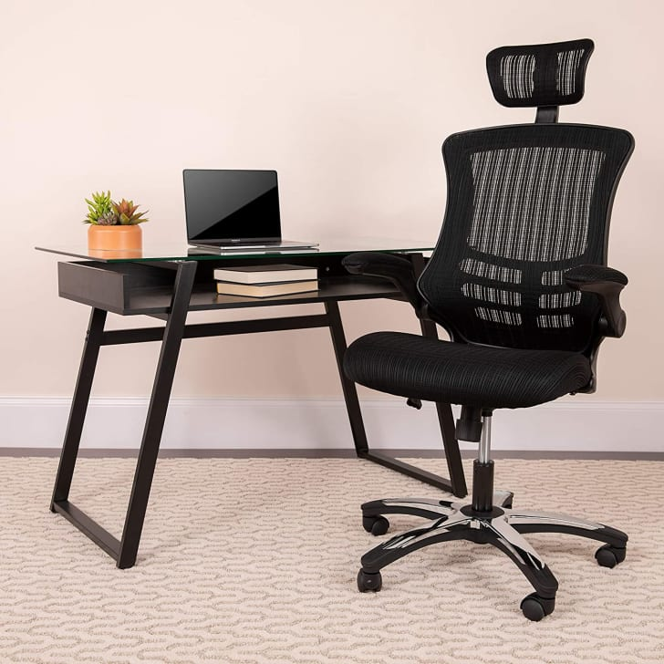 A best-selling office chair with a headrest.