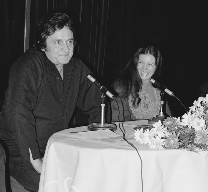 johnny cash and june carter cash in 1972