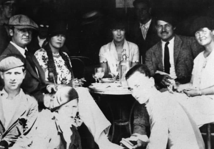 sara and gerald murphy, pauline pfeiffer, ernest and hadley hemingway in 1926