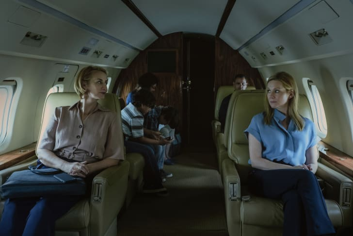 Janet McTeer and Laura Linney in 'Ozark'