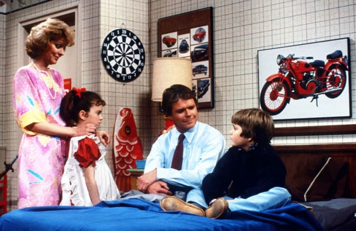 Tiffany Brissette, Richard Christie, Marla Pennington, and Jerry Supiran in Small Wonder (1985)