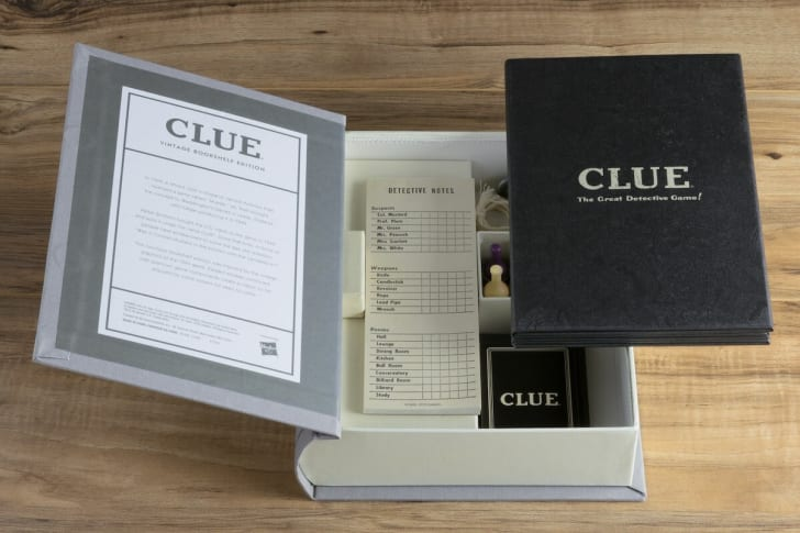 'Clue' Vintage Bookshelf Edition.