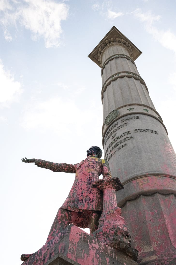 jefferson davis statue in richmond, virginia