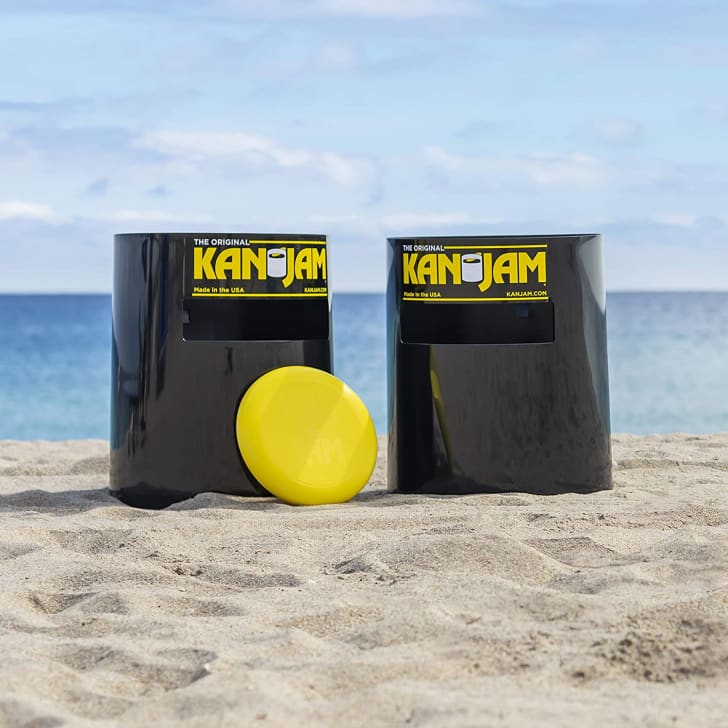 A Kan Jam game on the beach
