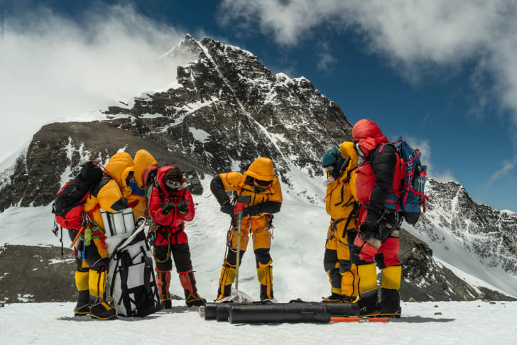 Scientists drill ice cores on Mount Everest