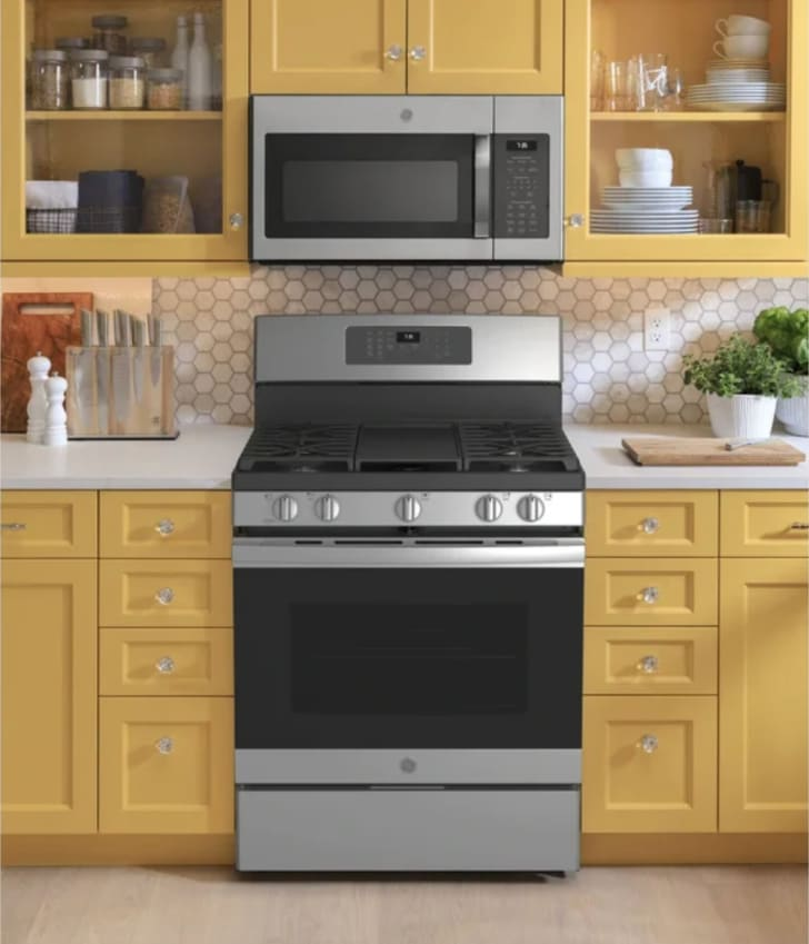 Discover Wayfair's Black Friday deals including GE Appliances.