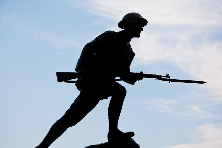 Silhouette of a World War I doughboy soldier.